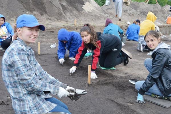археология, раскопки, артефакты, Минск, Белоруссия