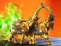 Статуэтки слонов: не просто украшение