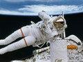 Почему космонавты в космосе становятся выше ростом